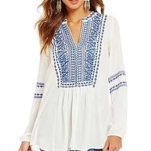 RILEY Embroidered Pullover V Neck Top